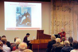 Mai 2012 - Eröffnung der Schuster-Ausstellung in der Sächsischen Landesbibliothek mit Sebastian Knebel (Foto: Kerstin Delang)